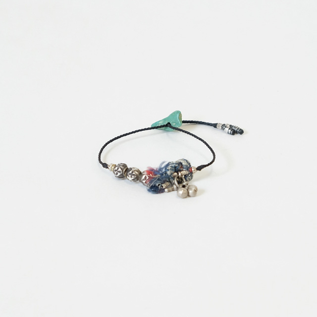 TWENTY SEVEN NINE 27/9 Traveling Charm Bracelet – Zari Emb.