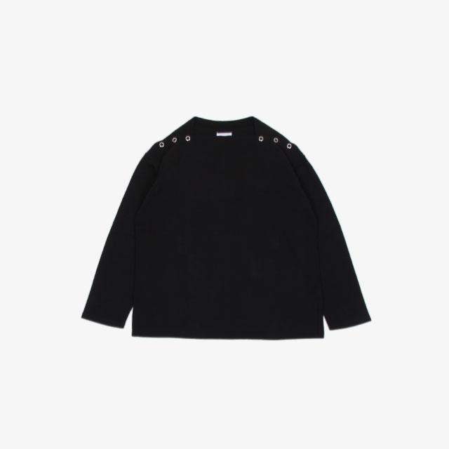 TheSoloist. shoulder buttoned boat neck shirt. black [sc.0005bAW20]