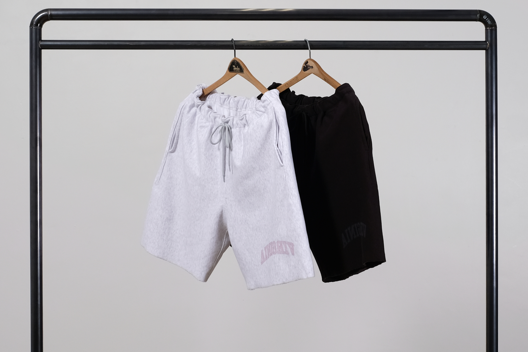 "blurhms|ブラームス ""VIRGINIA"" Tee BIG & Soft & Hard Sweat Shorts ""VIRGINIA"" Print"