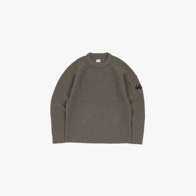 C.P. COMPANY LAMBSWOOL CREW NECK KNIT WEAR [11CMKN143A-005504A]